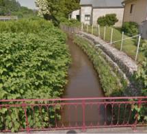 Ferrières-en-Bray (Seine-Maritime) :  traces de pollution au white-spirit dans la rivière l'Epte