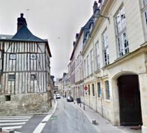 Meulan-en-Yvelines : le cadavre en décomposition d'une femme de 87 ans découvert dans la salle de bain