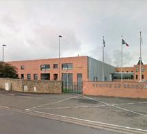 Yvelines : un pompier grièvement blessé en chutant dans la piscine au centre de secours de Poissy