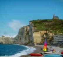 Seine-Maritime : le corps sans vie d'un homme découvert au pied des falaises à Etretat