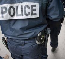 A Evreux, les Gilets jaunes bloquent la préfecture, ils sont délogés par la police
