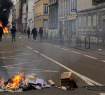 « Gilets jaunes » : les incendiaires présumés d'une Caisse d'Epargne à Rouen en garde à vue