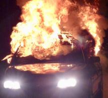 Seine-Maritime : une voiture en feu enflamme un compteur à gaz à Malaunay