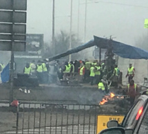 Les forces de l'ordre dispersent des «gilets jaunes» au rond-point des Vaches, près de Rouen