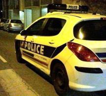 Yvelines : un véhicule de police visé par des jets de projectiles à Épône