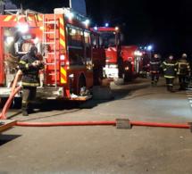 Vingt-cinq sapeurs-pompiers  sont mobilisés pour éteindre l'incendie depuis 21h45 - Photo d'illustration
