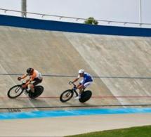 Chute collective sur le vélodrome du Neubourg : cinq jeunes pistards blessés