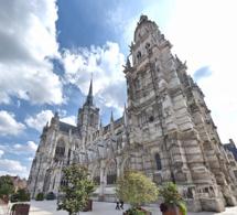Évreux : trois vitres brisées par des jets de pierres à la cathédrale Notre-Dame