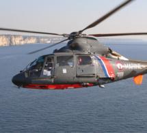 Isolés par la marée au Trou à l'homme, ils sont secourus par un hélicoptère de la Marine