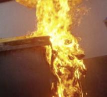 Seine-Maritime : cinq poubelles incendiées dans l'agglo d'Elbeuf, deux suspects interpellés