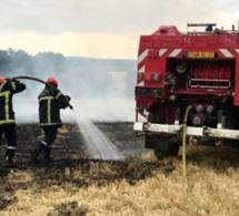 Violent incendie dans l'Eure : quatre maisons évacuées, 15 ha de chaume et un véhicule brûlés