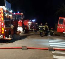 Le marché couvert de Maurepas (Yvelines) détruit par un incendie criminel
