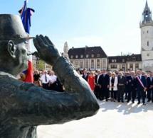 Statue du général de Gaulle arrachée à Évreux : un des auteurs identifié et condamné à 7 mois de prison