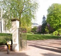 Rouen : le corps d'un homme nu et la tête ensanglantée découvert dans les jardins de l'hôtel de ville