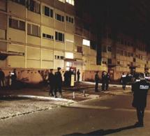Seine-Maritime : l'immeuble Sorano à Saint-Etienne-du-Rouvray évacué par les forces de l'ordre