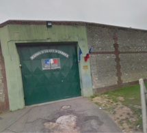 Evreux : le lanceur de «chaussettes» interpellé au pied du mur d'enceinte de la prison