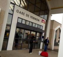 Colis suspect dans un train : le Paris-Rouen évacué à Vernon et stoppé à Sotteville-lès-Rouen
