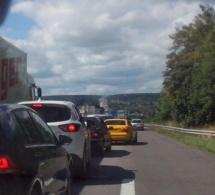 Poids-lourd en feu à Oissel : l'A13 fermée dans le sens Paris-Caen