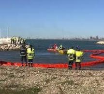 Exercice antipollution dans le port du Tréport pour tester le dispositif de protection