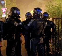 Un groupe de perturbateurs délogé à coups de gaz lacrymogène par les policiers