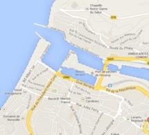 Le chalutier rate son entrée dans le port de Fécamp : deux marins blessés