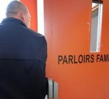 """Des """"passeurs"""" de drogue et de cigarettes interpellés au parloir de la prison à Rouen"""