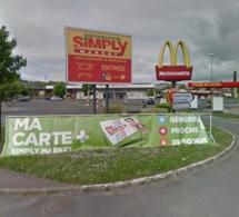 Hold-up à Gaillon : le malfaiteur frappe avec son arme une employée du magasin de chaussure