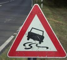 Chaussée glissante : deux accidents sur le CD 151 à Fontaine-le-Bourg (Seine-Maritime)