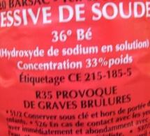 Seine-Maritime : Un poids lourd chargé de 10 tonnes de lessive de soude se renverse sur l'A151