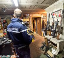 Plusieurs centaines d'armes saisies en France : 44 suspects en garde à vue depuis ce matin