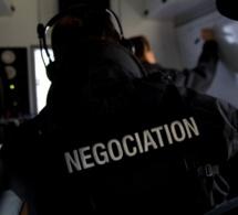 Le forcené retranché chez lui à Maromme, près de Rouen, s'est rendu aux policiers du RAID