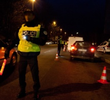 Plaisir. Le motard en infraction se rebelle, trois policiers blessés lors de l'interpellation