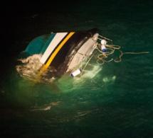 """Le """"Raph Maelle"""" chavire : opération de sauvetage de deux marins au large du littoral de Seine-Maritime"""
