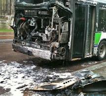 Le Havre : un bus vide prend feu en roulant