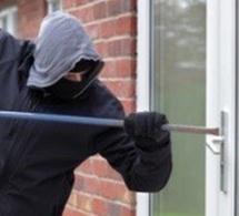 Aubevoye : des cambrioleurs fracturent une porte-fenêtre et dérobent des bijoux