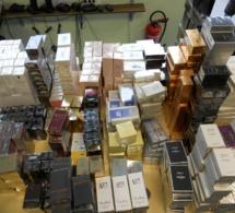 """1 285 flacons de parfum saisis dans un bus et 31 000 cachets d'ecstasy dans un """"go-fast"""""""