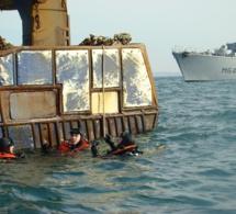 Des plongeurs de la Marine nationale au secours d'un chalutier à la dérive au large d'Antifer