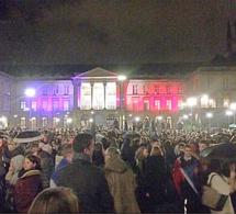 Hommage aux victimes des attentats ce soir à Rouen : 5000 personnes devant l'hôtel de ville