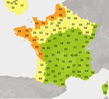 Météo : 16 départements en alerte orange. Les secours en pré-alerte, annonce Bernard Cazeneuve