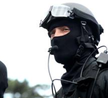 Un officier de police tué à l'arme blanche à Magnanville, sa famille prise en otage par le meurtrier