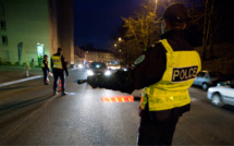 Achères : les policiers caillassés en interpellant un adolescent au volant d'une voiture volée