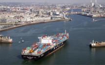 Port du Havre : un étrange produit s'écoulait de conteneurs, les pompiers interviennent