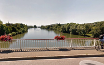 Aux Mureaux, la Seine polluée par une nappe de gazole sur deux kilomètres