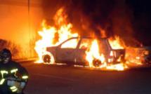 A Evreux, deux véhicules et trois conteneurs détruits par le feu : la piste criminelle est privilégiée