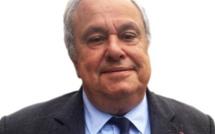 Jean Louis Destans, député socialiste de l'Eure, apporte son soutien et son parrainage à Emmanuel Macron