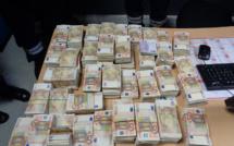 1 million d'euros en billets de banque découvert dissimulé dans une voiture près d'Hendaye