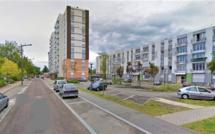 Un enfant en bas âge déambulait seul sur un parking à Rouen : les policiers lui donnent à manger