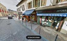 Évreux : ivre, le conducteur arrache des poteaux de sécurité et percute la devanture d'un restaurant