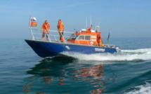 Un voilier de plaisance en difficulté au large de Saint-Vaast-la-Hougue secouru par les sauveteurs en mer
