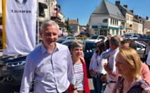 Candidat aux législatives dans l'Eure, Bruno Le Maire en visite ce matin sur le marché de Pacy-sur-Eure